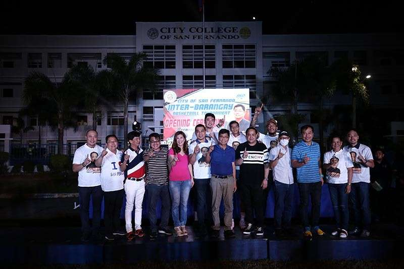 """PAMPANGA. Mayor Edwin Santiago, Vice Governor Dennis """"Delta"""" Pineda, Vice Mayor Jimmy Lazatin, Councilor Angie Hizon, together with San Fernando city officials, and prominent Kapampangan basketball players, officially open the Inter-Barangay Basketball Tournament 2019 over the weekend at Heroes Hall grounds. The events are part of this year's Kaganapan celebration. (CSF-CIO)"""