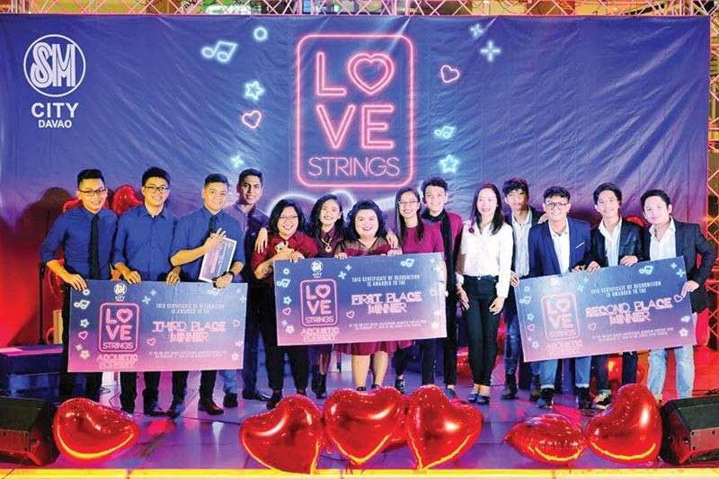 DAVAO. This year's winners of Love Strings Acoustic Popfest at SM City Davao. (SM City Davao Photo)