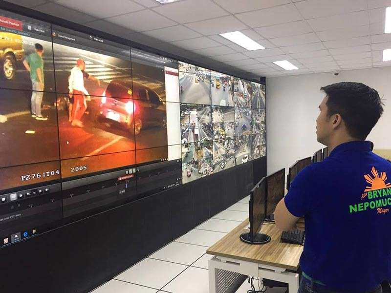 PAMPANGA. Vice Mayor Bryan Nepomuceno reviews closed-circuit television (CCTV) footages of Friday's (February 15) hit-and-run incident at the Angeles City Command Center. (Contributed photo)