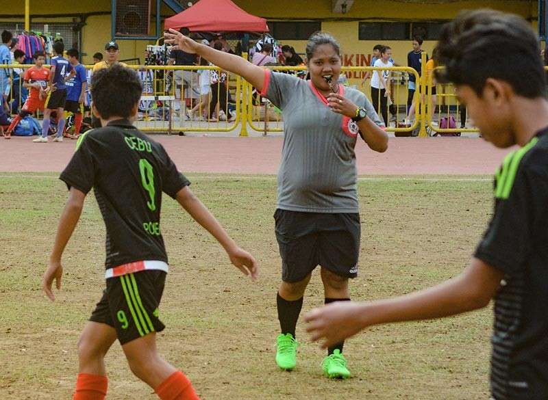 FIRST. Chanda Ilustrisimo Solite was surprised to learn that she was the first female football referee in Cebu when she joined a meeting for the Sinulog Cup. (SunStar photo / Arni Aclao)