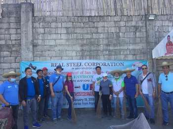 PAMPANGA. Real Steel Corporation pollution control officers Cyril Hilario and Glenn Diwa are joined by MENRO Mel Tayag, Municipal Engineer Ben Bonus, Barangay San Isidro Chairman Randy Tayag and PENRO officials during the clean-up drive on Tuesday, February 19. (Photo by Princess Clea Arcellaz)