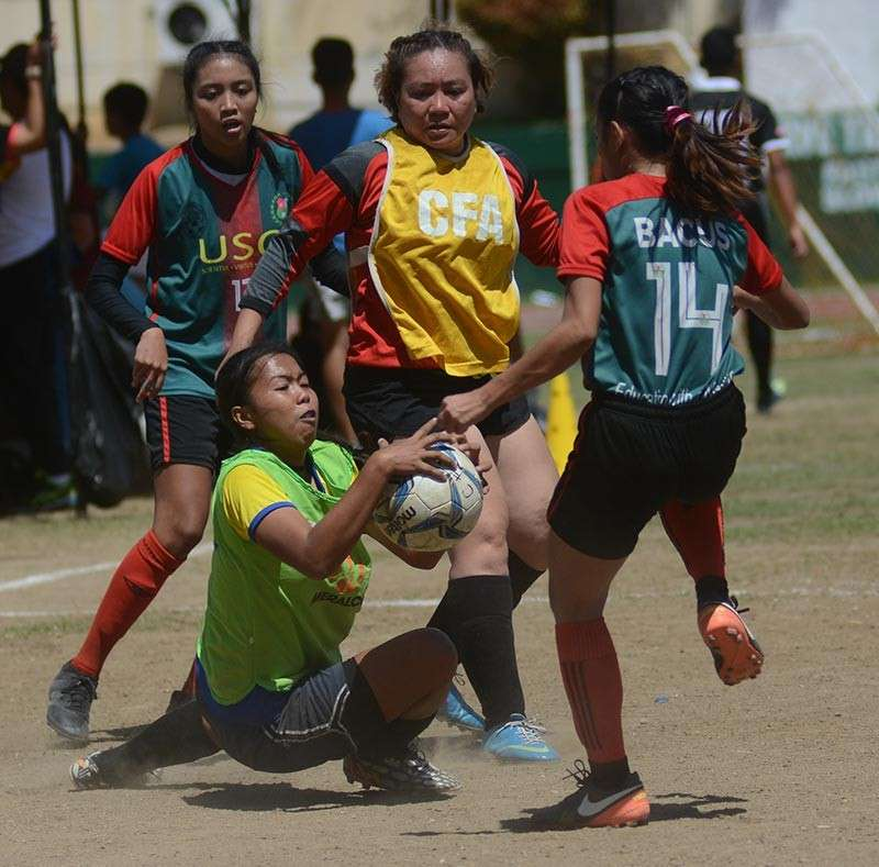 CHAMPION. The University of San Carlos bagged the women's open title of the Sinulog Cup after beating Los Amigas. (SunStar photo / Amper Campaña)