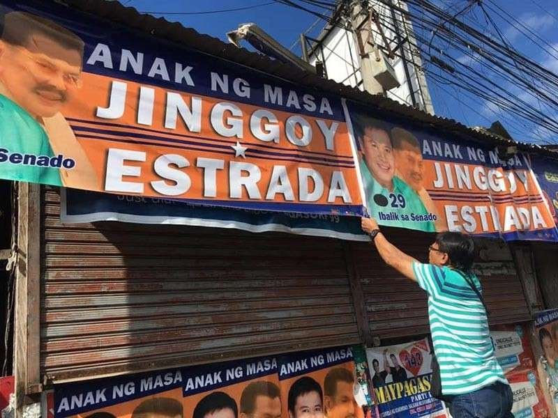 CAGAYAN DE ORO. The City Comelec Office has started removing illegal campaign posters of national candidates along the national highway. (Photo courtesy of LA Corrales)
