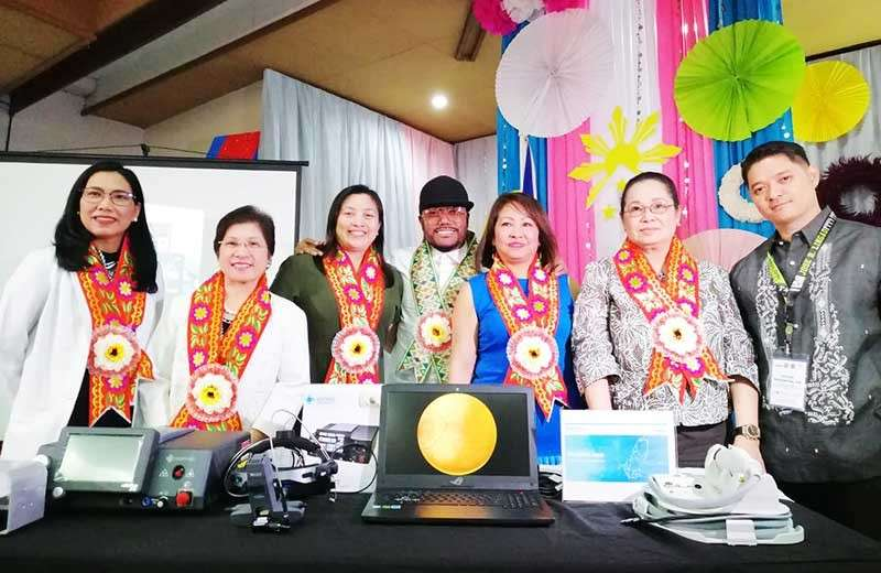 PAMPANGA. ADAFI founder and The Black Eyed Peas Member Apl.de.ap together with JBLMRH Medical Center chief Dr. Monserrat Chichioco, Dr. Maria Francia Miciano-Laxamana of Department of Health, Dr. Jessica Marie Abano of Philippine Academy of Ophthamology, CFC chairperson Sonia Delen, Philippine Academy of Ophthamology-Retinopathy of Prematurity Working Group chairperson Dr. Pearl Tamesis-Villalon, and JBLMRH Ophthalmology Department chair Dr. Rolan Mangahas pose for prosperity during the presentation and ceremonial turnover of the ophthalmology equipment to the JBLMRH on Tuesday, February 19, 2019. (Nicole Renee David)