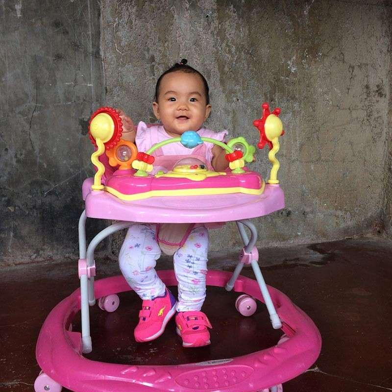 DAVAO. Yanna at 7 months using walker. (Ara Casas-Tumuran)