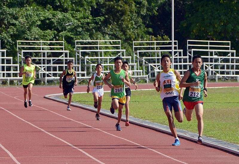 DAVAO. John Paul Diamonte of Crossing Bayabas National High School (212) races to the finish line to win the secondary boys 800-meter title of the recently-concluded first GET Track Invitational held at the University of Mindanao (UM) track oval in Matina. (DSA)
