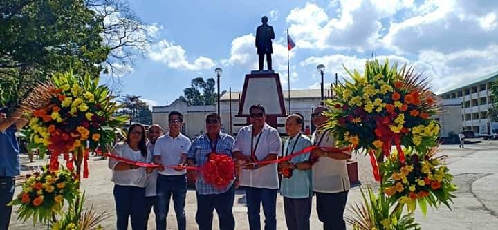 NEGROS. Former Fourth District Representative Jeffrey Ferrer (3rd from right), businessman Jerry Sy (3rd from left) lead the inauguration of the road concreting project of Negros Occidental High School (NOHS) Alumni Batch '85 at the said school in Bacolod City on Tuesday, February 26. Also in photo are Principal Mario Amaca and NOHS Alumni president Atty. Moises Nifras. (Contributed photo)