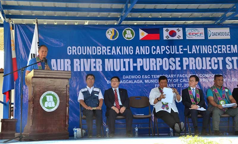 ILOILO. Governor Arthur Defensor Sr. welcomes the guests during the groundbreaking ceremony of JRMP II on February 27, 2019 in Barangay Agcalaga, Calinog, Iloilo. (Contributed photo)