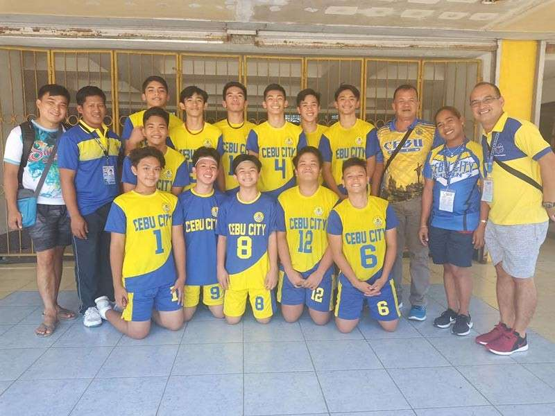 JUST ONE MORE. The Cebu City Niños volleyball team wants nothing less than the gold medal in the Batang Pinoy. (SunStar photo / Richiel S. Chavez)