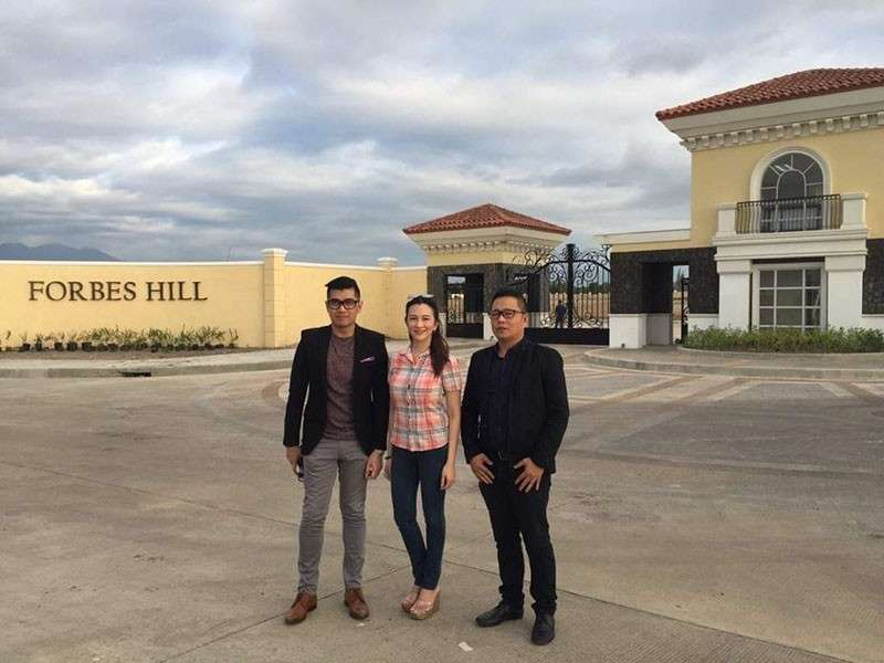 BACOLOD. Megaworld senior assistant vice president and head of public relations and media affairs Harold Brian Geronimo (from left), Megaworld–Bacolod vice president for sales and marketing Rachelle Peñaflorida and Construction Manager Glen Tejada during the media tour at the Forbes Hill at the Bacolod side of the firm's Northill Gateway township along airport access road on Thursday, February 28. (Merlinda Pedrosa)