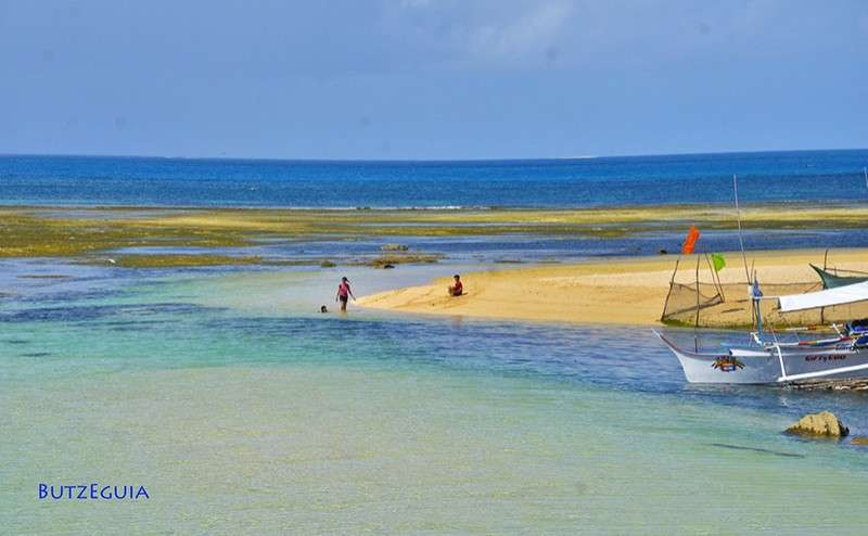 EASTERN SAMAR. The Calicoan Island in Guiuan, Eastern Samar is just one of the many summer hideaways for tourists who love water sports activities while in the province. (Photo courtesy of Butz Eguia)