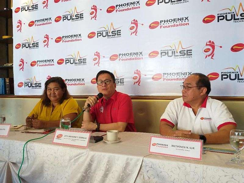 DAVAO. Phoenix Petroleum Philippines, Inc. vice president for external affairs and business development lawyer Raymond Zorilla spearheads the press conference Monday, March 4, for the upcoming 11th Phoenix Open and Phoenix Fuel Masters basketball clinic as golf organizer Liloh Evangelista and PPPI corporate affairs manager Ben Sur listen. (Marianne L. Saberon-Abalayan)