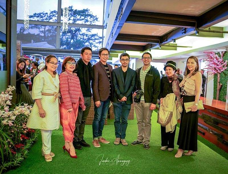 BAGUIO. Among the special guests were (from left to right) Helen Tibaldo, Engr. Alec Mapalo, Joey Reyes, Anna Loraine Tabora and Jovi Ganongan (not in the photo) with fashion designer Harvic Dominguez and Director Chai Ramos. (Contributed Photo)