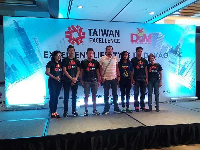 DAVAO. Top Davao City runners pose with 2nd Davao International Marathon (DIM) organizer Roel Ambano Ano, fourth from left, of Davao Ultrarunners Club during the Taiwan Excellence press launch at Marco Polo Davao Friday. Taiwan Excellence is a partner of the 2nd DIM that unfurls today at People's Park in Davao City. (Olive Firmeza Facebook)