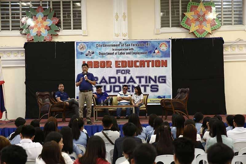 PAMPANGA. Mayor Edwin Santiago speaks at the Labor Education for Graduating Students (LEGS) hosted by the City Government of San Fernando, together with Department of Labor and Employment (DOLE) on March 7, 2019 at Heroes Hall. (CSF-CIO)
