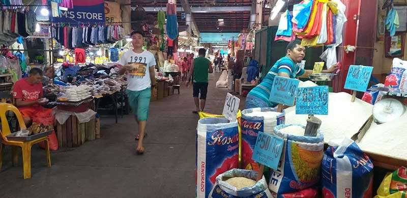 BACOLOD. Rice outlets at Bacolod City Central Market are expected to receive weekly allocation of National Food Authority rice until August this year, pending the final implementing rules and regulations of the Rice Import and Export Liberalization Law. (Erwin Nicavera)