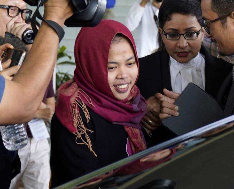 MALAYSIA. Indonesian Siti Aisyah, center, smiles as she leaves Shah Alam High Court in Shah Alam, Malaysia, Monday, March 11, 2019. The Indonesian woman held two years on suspicion of killing North Korean leader's half brother Kim Jong Nam was freed from custody Monday after prosecutors unexpectedly dropped the murder charge against her. (AP Photo)
