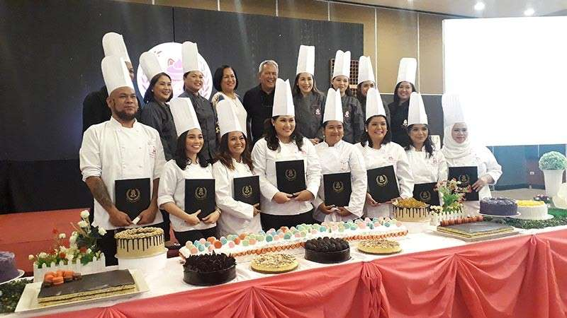 CAGAYAN DE ORO. More than 30 people of various professions received their Certificate Certificate in Professional Baking and Pastry Arts and graduated as pastry chefs from Sweet House Pastry School last Saturday, March 9. (Jo Ann Sablad)