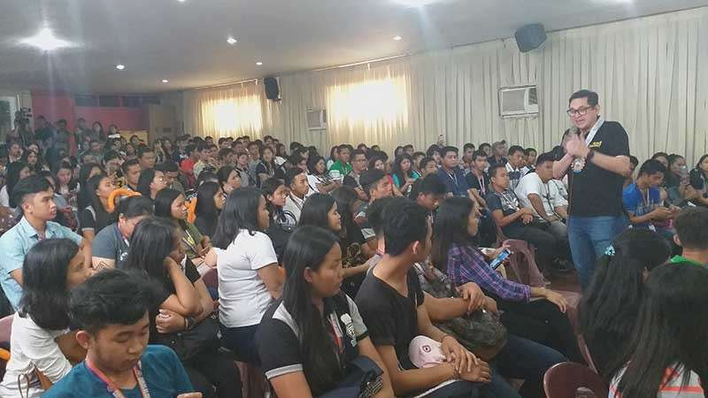 BACOLOD. Reelectinist Senator Paolo Benigno Aquino IV speaks at the Free College Education Forum held at Carlos Hilado Memorial State College - Alijis Campus in Bacolod City. (Erwin Nicavera)