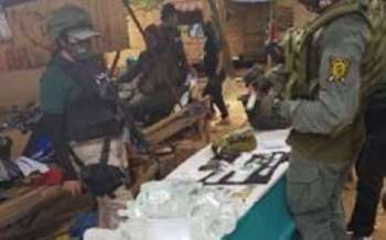 ZAMBOANGA. Soldiers and Philippine Drug Enforcement Agency operatives conduct inventory on the illegal drugs they seized in a raid Wednesday in Ipil, Zamboanga Sibugay. (Photo courtesy of Army's 44th Infantry Battalion)