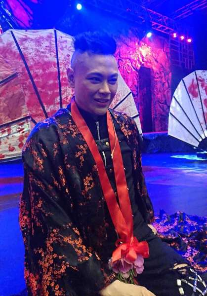 M. BUTTERFLY. RS Francisco, who is reprising his role as Song Liling, makes himself available for selfies with fans. (Michelle P. So)