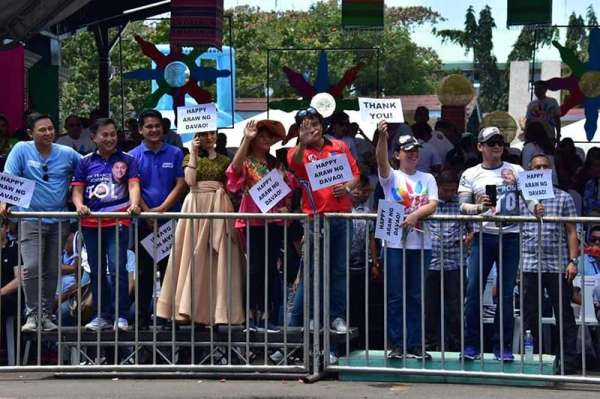 DAVAO. Davao City Mayor Sara Duterte-Carpio with Robin Padilla and senatorial candidates at the Rizal Park during the 82nd Araw Ng Dabaw. (Photo by Macky Lim)