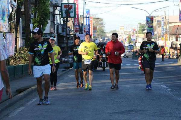 "NEGROS. The 21st Kadalag-an festival of the City of Victorias kicks off with a fun run led by Mayor Francis Frederick ""Wantan"" Palanca. The March 16 celebration commencement featured various fun activities and events highlighting the city's important achievements. (Contributed photo)"