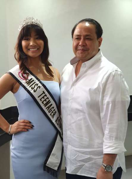 "PAMPANGA. Vice Governor Dennis ""Delta"" G. Pineda poses with Miss Teenager Asia 2018 winner Joy Bucao of Barangay San Pedro, Guagua, Pampanga during a courtesy call Monday, March 18. Bucao represented the province during the July 2018 beauty pageant held in Mexico City. (Photo by Chris Navarro)"