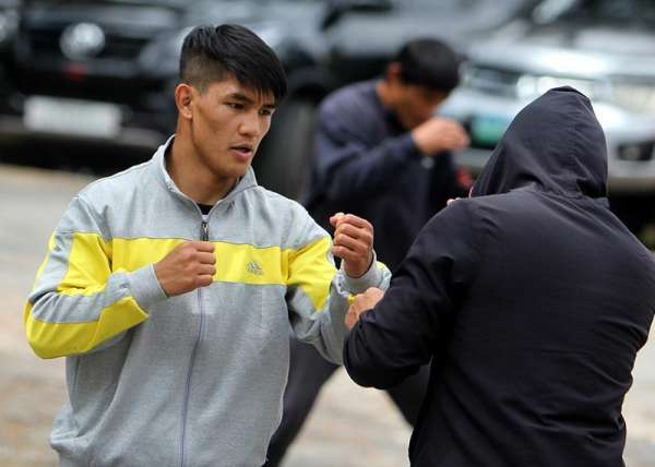 BAGUIO. Bracing for a tough contest in the upcoming ONE Championship flyweight world grand prix quarter-final set on March 31 at the iconic Ryogoku Kokugikan in Tokyo, Japan, Team lakay's Danny Kingad continues to gear up with a morning workout at the Lourdes Grotto in Baguio City. (Photo by Roderick Osis)
