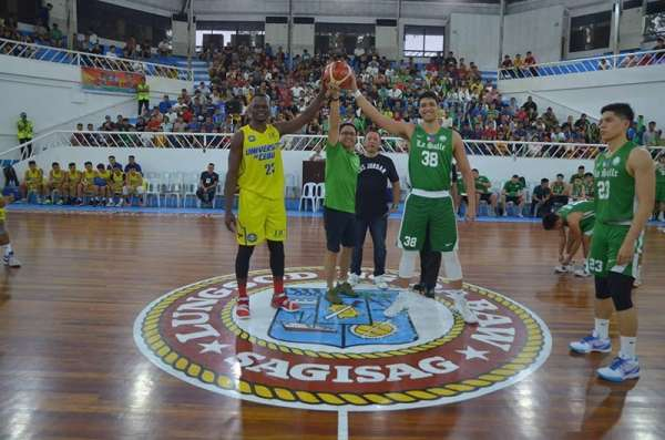 DAVAO. Lawyer Mans Carpio, husband of Davao City Mayor Sara Duterte Carpio, leads the ceremonial toss as Samahang Basketbol ng Pilipinas (SBP) regional director Glenn Escandor looks on. (Photo by Seth Delos Reyes/SDD-CMO)