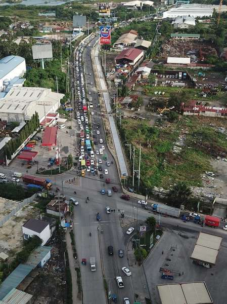 TRAFFIC SOLUTION: A flyover was supposed to be built along United Nations Ave. and Plaridel Road but was cancelled to prioritize  big-ticket projects. (SunStar photo / Allan Cuizon)