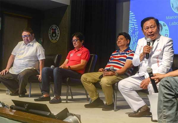 CEBU. Atty. Larry Gadon (2nd from right) during the