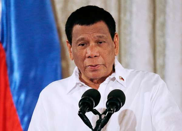 MANILA. Malacañang released Wednesday, March 20, a copy of the Executive Order 75 signed by President Rodrigo Duterte. The EO implements the fourth tranche of salary increase for government workers even though Congress has yet to pass the proposed 2019 budget spending. (AP)