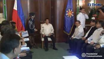 MANILA. President Rodrigo Duterte meets with the Metropolitan Waterworks and Sewerage System (MWSS) Board of Trustees in Malacañan Palace on March 19, 2019. (Screenshot from RTVM video)