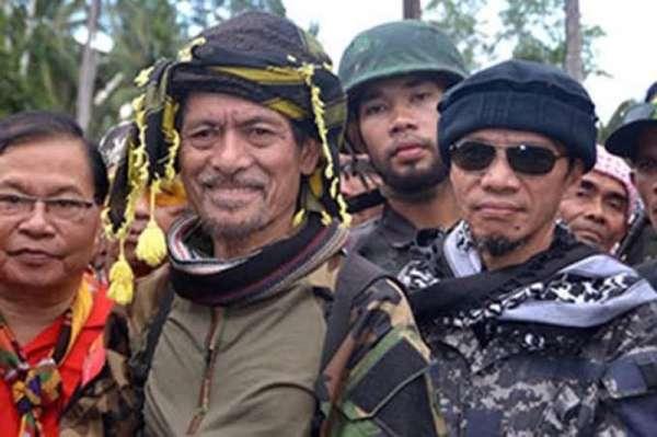 MANILA. Moro National Liberation Front founder Nur Misuari (center). (SunStar File)