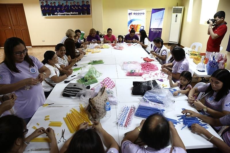 """PAMPANGA. Members of the Fernandina Women's Federation underwent the recent """"Upcycling Training on Accessories Making"""" in line with the celebration of Women's Month at Heroes Hall. (CSF-CIO)"""