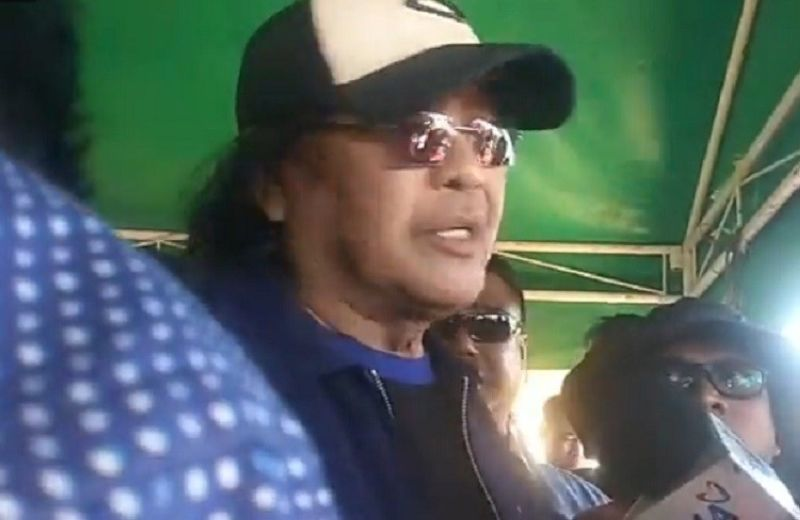 CEBU. Famed director Carlo J. Caparas attended the funeral services of Christine Lee Silawan on Saturday, March 23, describing the horrific fate of Christine as