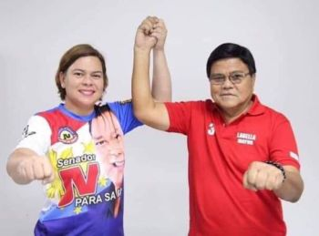 Cebu City mayoral bet Edgardo Labella gets the endorsement of Davao City Mayor Sara Duterte-Carpio during their March 21, 2019 political caravan. (Contributed Photo)