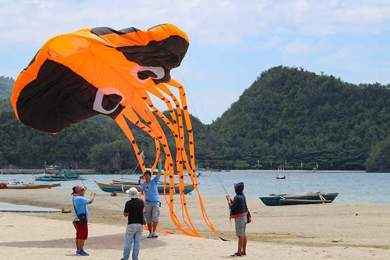 NEGROS. One of the participants during the 6th Kite Festival in Sipalay City in 2018. (Contributed photo)
