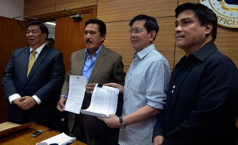 MANILA. (From left) Senate Minority Leader Franklin Drilon, Senate President Vicente Sotto III, Senator Panfilo Lacson, and Majority Leader Juan Miguel Zubiri sign the enrolled copy of the proposed 2019 national budget. (Al Padilla/SunStar Philippines)