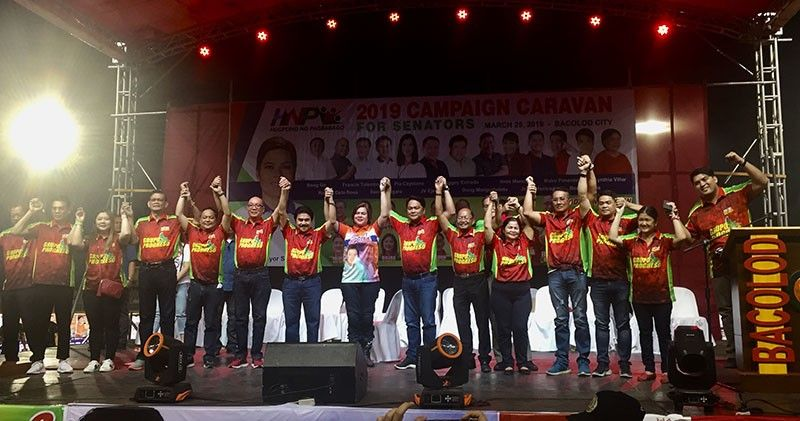 NEGROS. Davao City Mayor Sara Duterte-Carpio endorses Grupo Progreso, led by Bacolod City Mayor Evelio Leonardia, during the campaign caravan of Hugpong ng Pagbabago at the Panaad Park and Stadium in Barangay Mansilingan, Bacolod City. (Photo by Merlinda A. Pedrosa)