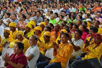 NORTH COTABATO. Nagdasok sa Provincial Capitol gymnasium sa Amas, Kidapawan City, North Cotabato ang mga nagkadaiyang sektor sa probinsya kinsa misaksi ug mapasigarbuhon nga naminaw ug namalakpak atol sa State of the Province Address (SOPA) ni North Cotabato Governor Emmylou Taliño-Mendoza, kagahapon sa buntag. (Macky Lim)