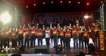 NEGROS. Davao City Mayor Sara Duterte-Carpio endorses Grupo Progreso, led by Bacolod City Mayor Evelio Leonardia, during the campaign caravan of Hugpong ng Pagbabago at the Panaad Park and Stadium in Barangay Mansilingan, Bacolod City. (Photo by Merlinda A. Pedrosa)  onerror=