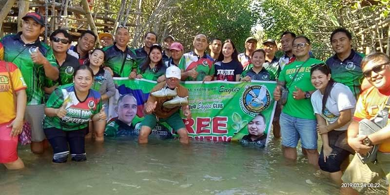 CAGAYAN DE ORO. The Green Cagayan de Oro Eagles Club during its recent mangrove tree planting in Tubahon, Laguindingan, Misamis Oriental. (Contributed photo)