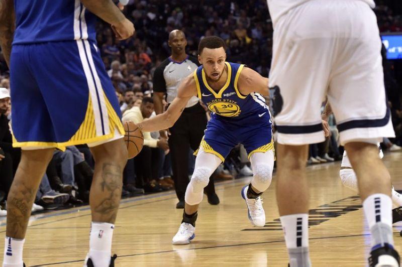 USA. Gipatugbabawan sa Golden State Warriors ang Memphis Grizzlies, 118-103, adlawng, Miyerkules, Marso 27. (AP)