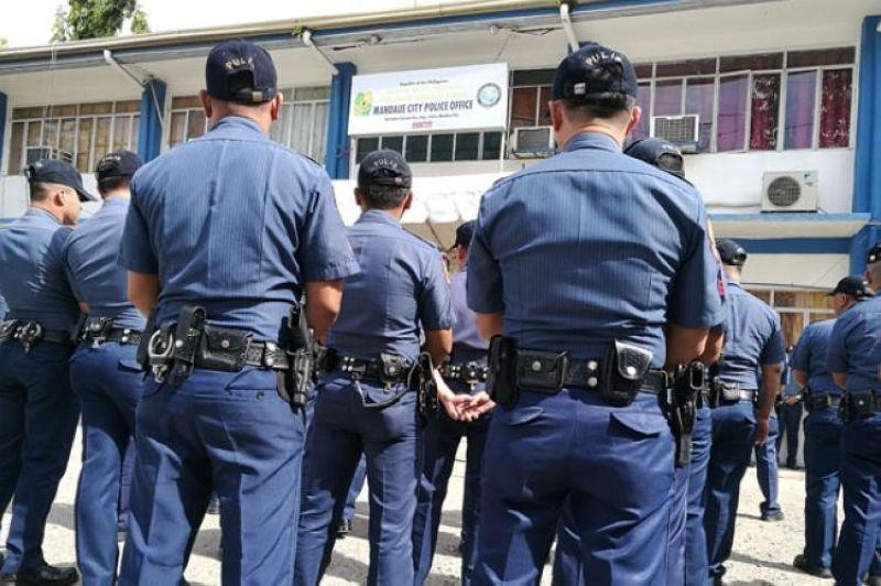 CEBU. Kapulisan sa Mandaue City Police Office mas pahugtan ang seguridad sa siyudad atol sa pagsugod sa lokal nga pagpangampanya karong Biyernes, Marso 29. (SunStar file)