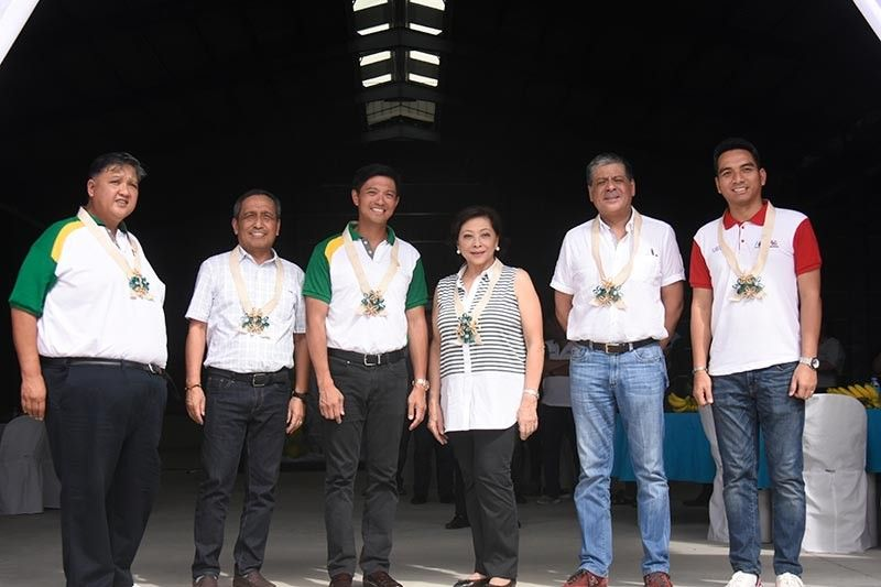 In photo, (left to right) senior vice president Anflo Group of Companies Ricardo Floirendo, Panabo Mayor James Gamao, vice president for Damosa Land Ricardo F. Lagdameo, chairperson Anflo Group of Companies Linda F. Lagdameo, former Second District of Davao del Norte congressman Antonio F. Lagdameo Jr and Panabo Vice Mayor Janrey Gavina. (Photo by Ralph Lawrence G. Llemit)