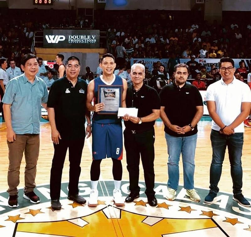 PANGASINAN. Peter June Simon of Magnolia Hotshots, third from left, receives his award for topping the three-point shootout in the 2019 PBA All-Star Game in Pangasinan. (PBA Photo)