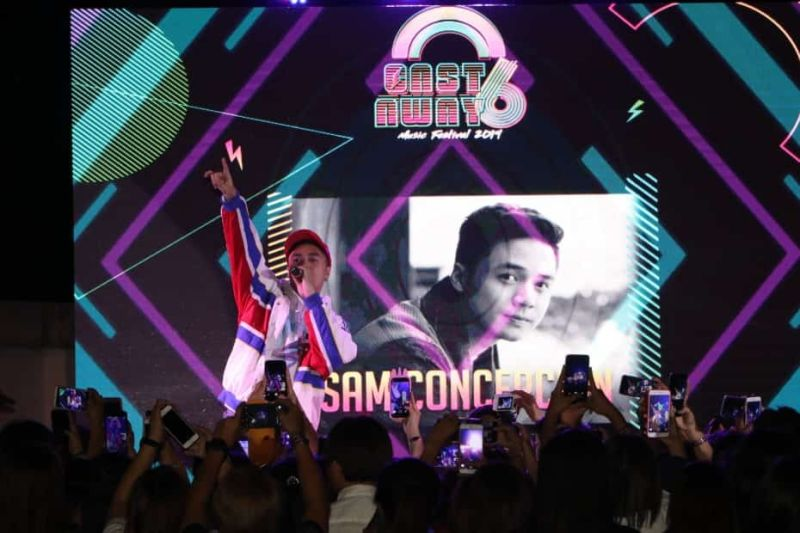 PAMPANGA. Singer and performer Sam Concepcion gets the crowd going during Castaway 6 Music Festival at SM City San Fernando Downtown Sunday, March 31, 2019. (Chris Navarro)