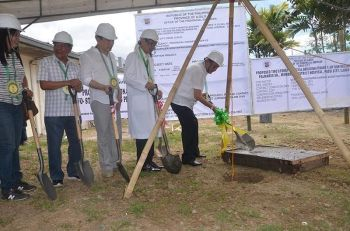 ILOILO. Governor Arthur Defensor Sr. leads Wednesday, April 3, the groundbreaking ceremony of the P31-million two-story building that will house the medical ward complex and emergency room of Don Valerio Palmares Sr. Memorial Hospital in Passi City, Iloilo. (Contributed photo)